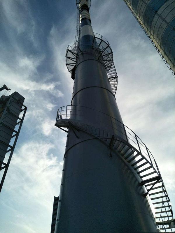 钢烟囱安装旋转梯